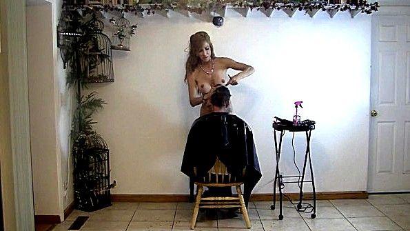 имеется голый парикмахер видео моей жены глаза